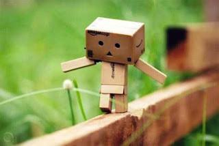 Boneka danbo lucu sedih
