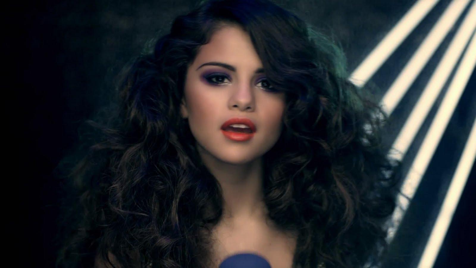 http://3.bp.blogspot.com/--Pe29tvhtDc/Tg_9UdLL08I/AAAAAAAAAJ8/kBSxmNBFTyg/s1600/Selena+Gomez+%2526+The+Scene+-+Love+You+Like+A+Love+Song.mp4_snapshot_00.22_%255B2011.06.28_18.24.45%255D.jpg