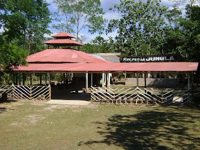Negocio de tours o recreo turístico y comida típica