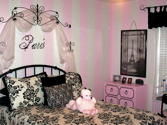 French boudoir bedroom on pinterest bedrooms beds and for Boudoir bedroom designs