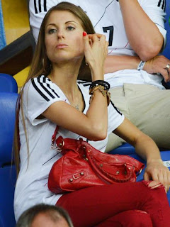 Lars Bender's girl friend