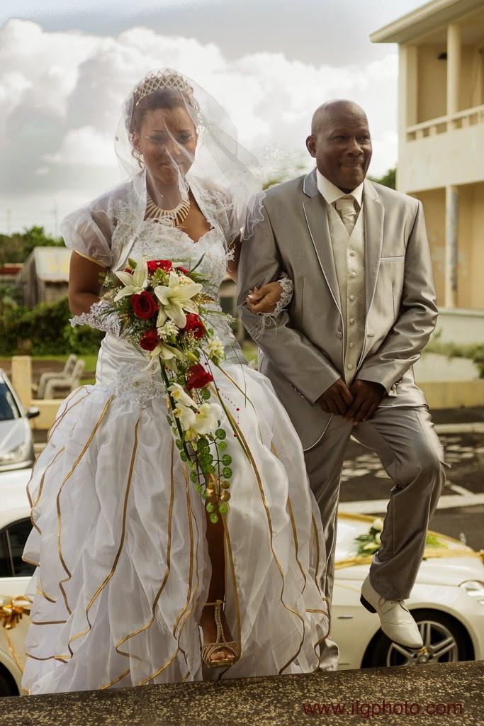 Mariage de Steffy et Manuel:la mariée entre au bras de son père