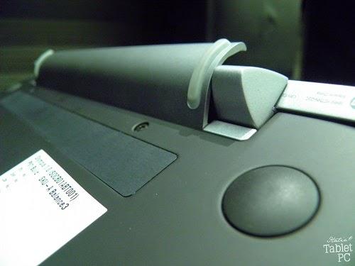 Dettagli sullo snodo della tastiera