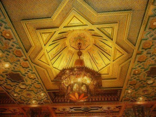 D coration de salon marocain id e d co faux plafond pour for Decoration gypse marocain