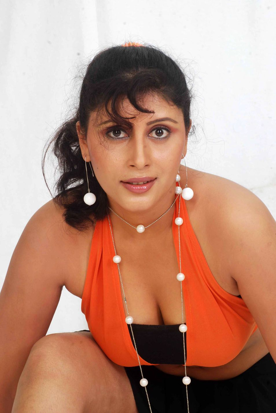 Yoghurt: Actress Mallu Ranjitha Hot Stills Photoshoot Gallery