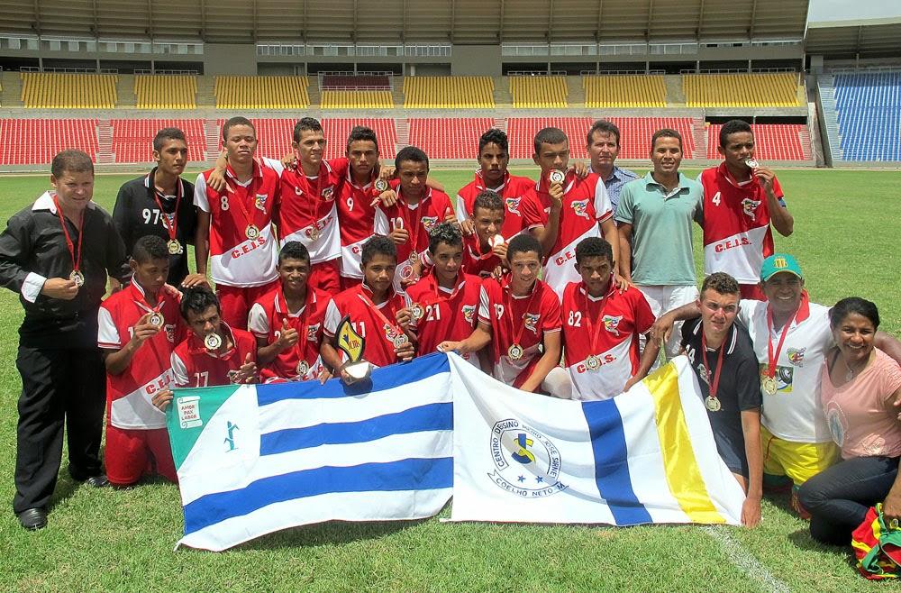 8c125faa24 Equipe do Colégio José Sarney (Coelho Neto) conquista o primeiro lugar no  futebol dos JEMs 2013