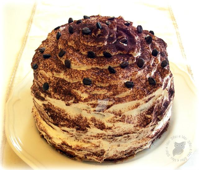 torta al caffè con panna montata ovvero una buona alternativa al tiramisù e .. eccomi qui!!!