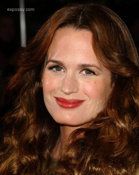 Full Name : Elizabeth Ann Reaser