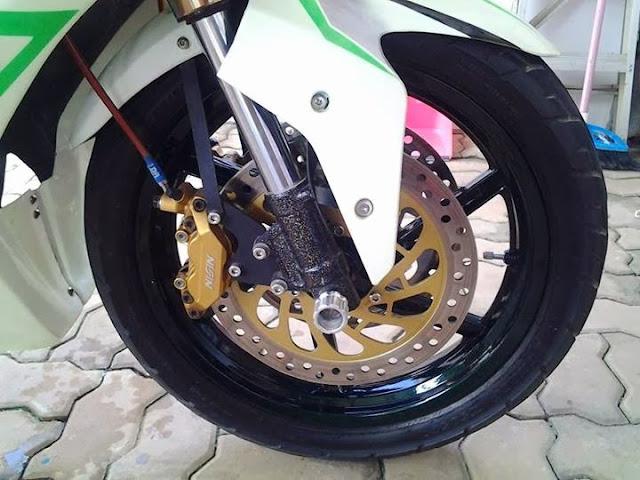 Modifikasi Yamaha Vixion Ala Ninja 250
