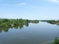 ボニエールの中州のあるセーヌ川を渡る