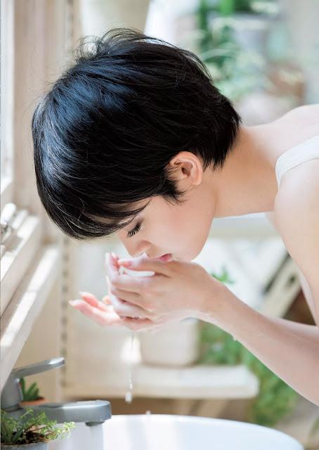 Ayame Gouriki 剛力彩芽 Weekly Playboy October 2015 Pics 5