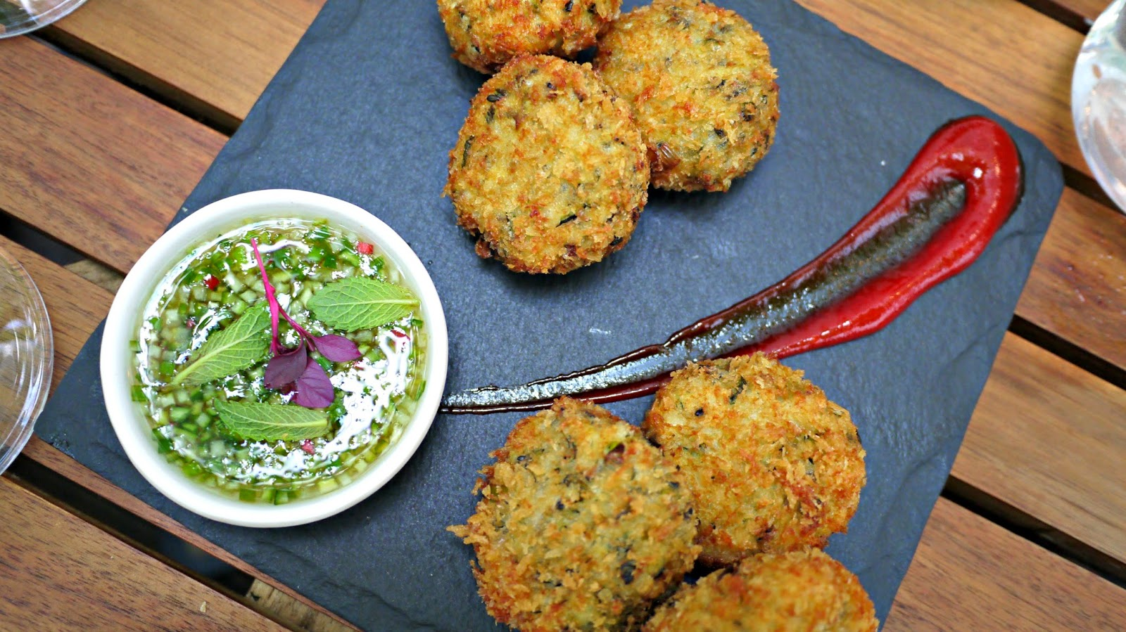 Mazi Courgette cakes with cucumber and mint dip