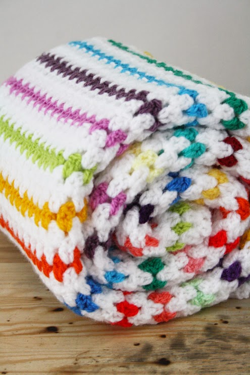 Crochet diamond stitch blanket, a tutorial - Happy in Red