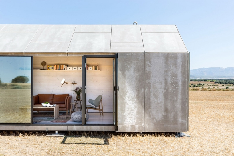 Open facade of a portable home