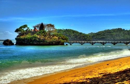 Foto objek wisata pantai di malang selatan, pantai balekambang