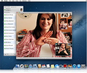 students signing via iChat on a Mac
