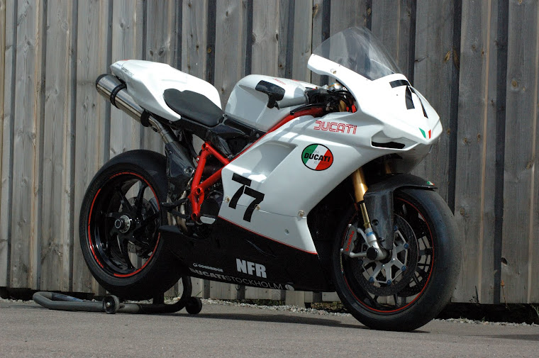 The 1098S race bike
