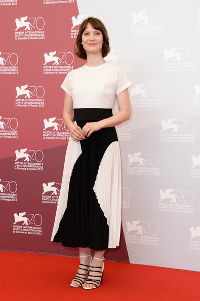 Mia Wasikowska Short Hairstyle Lookbook