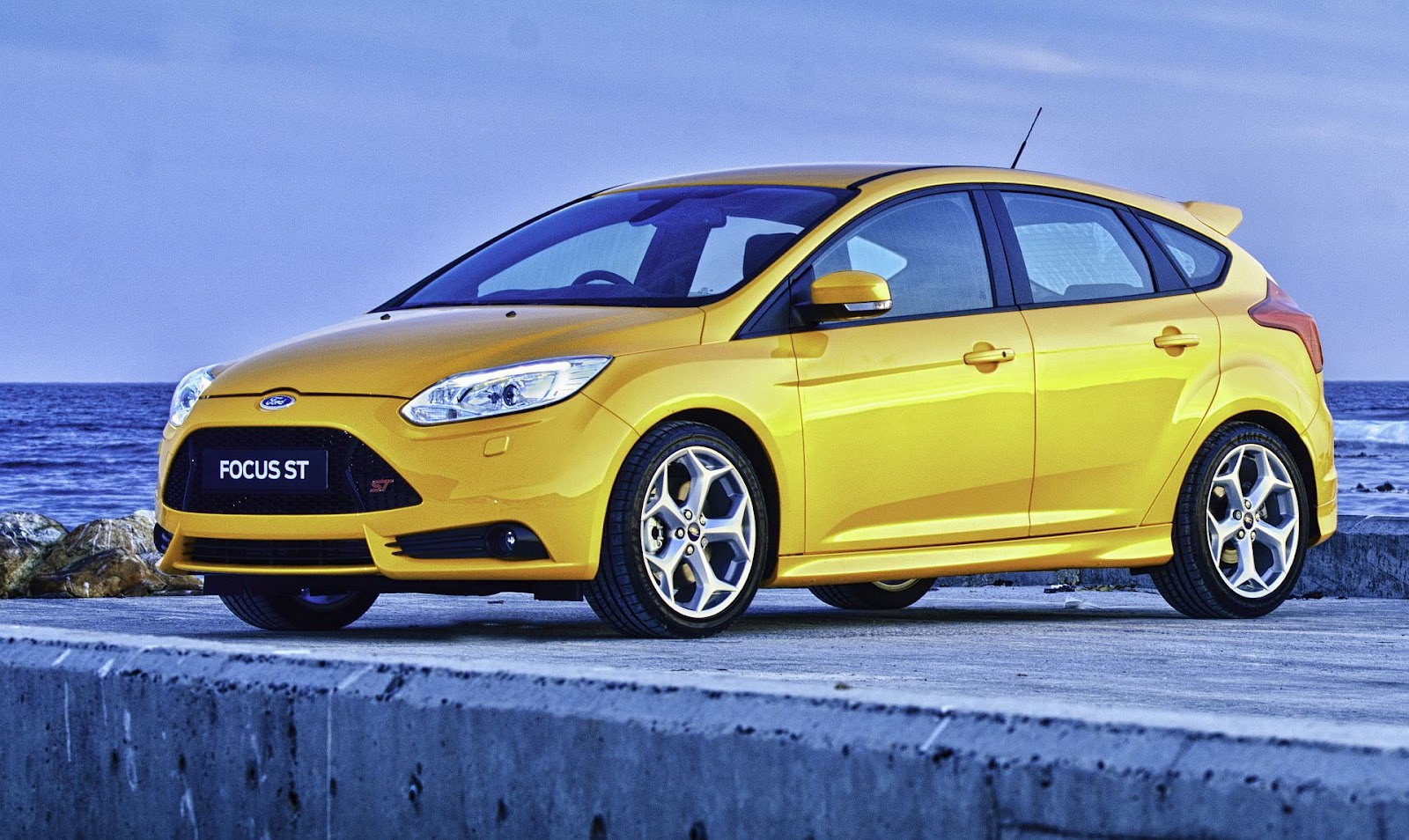 in4ride 2013 ford focus st blows into mzansi. Black Bedroom Furniture Sets. Home Design Ideas