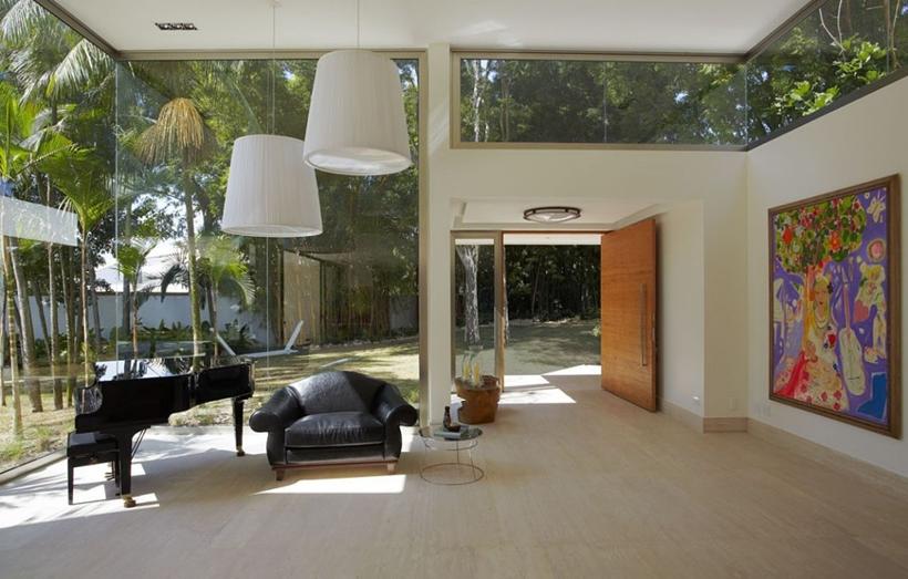 Modern interior of The Morumbi Residence by Drucker Arquitetura