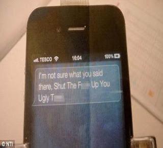 """جوال """"آي فون 4 إس"""" يوجه الفظ بذيئة لطفل بريطاني -  siri-tells-boy bad words - i phone 4"""