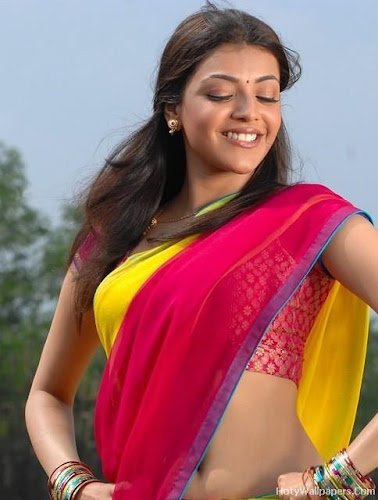 Kajal_Agrawal_beautiful_smile_in_saree