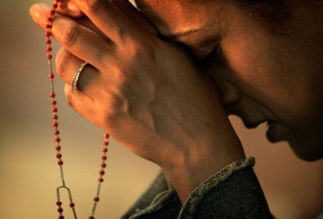 Risultati immagini per prier le chapelet