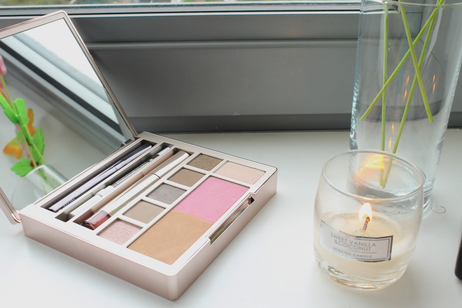 Urban Decay Naked on the Run blog review