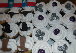 Texas, Buttons & Brooches Cupcakes