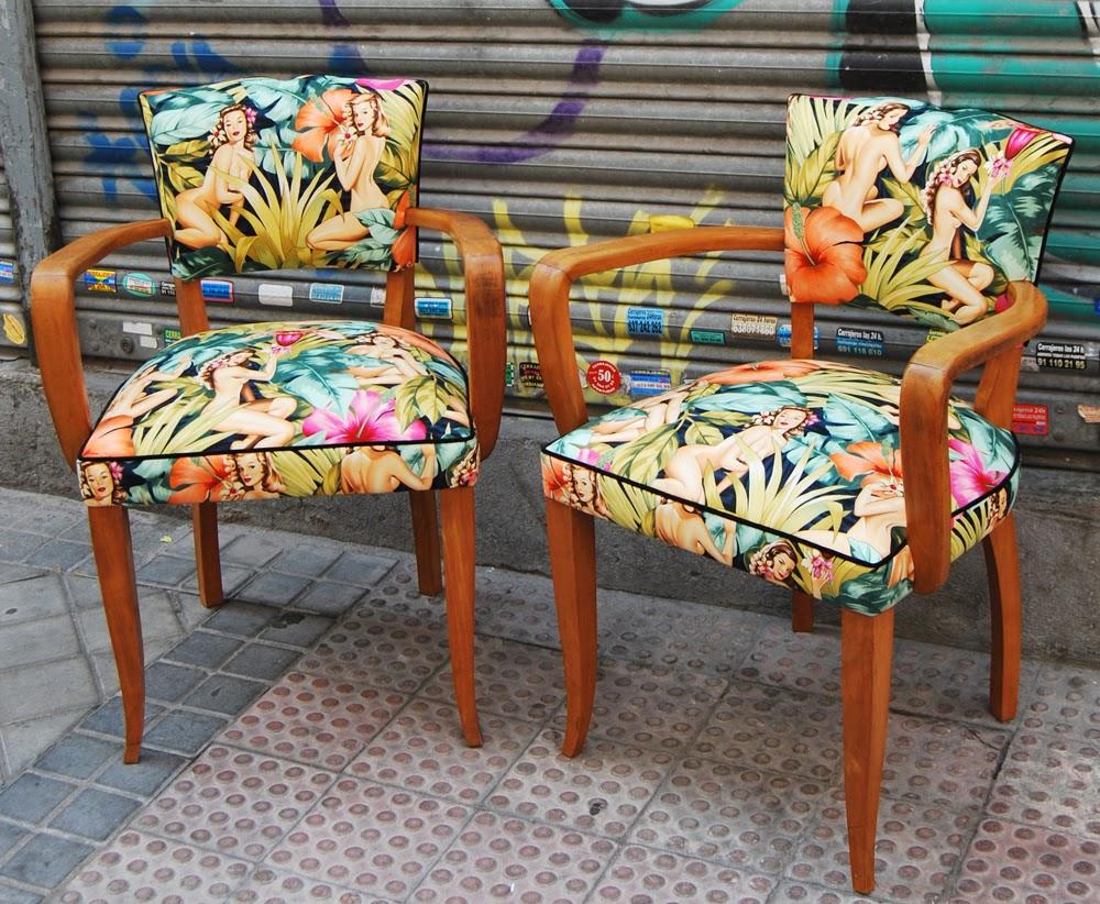 La tapicera sillas a os 50 tapizadas con tela de pin ups - Tela para tapizar sillas de comedor ...