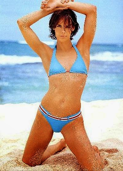 By taking advantage on the history situation, Closer Weekly magazine immediately pick up the ball by presenting Alexandra Paul's figure on one sheet of their magazine spreads for May 2014 edition.