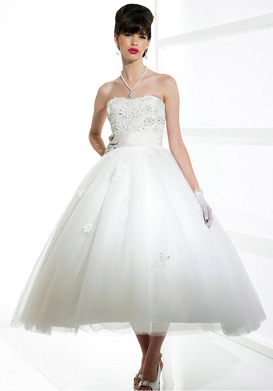 I heart wedding dress wedding dress tea length for Tea length tulle skirt wedding dress