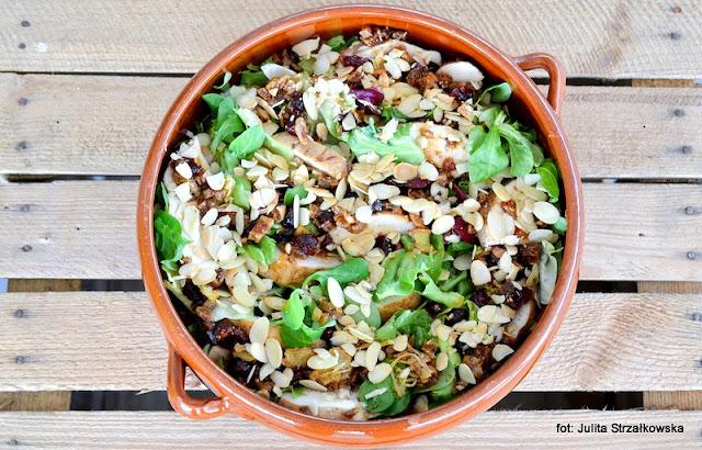 warsztaty kulinarne , fit&easy , sałata , mieszanki sałat , zielenina , samo zdrowie , najlepsze przepisy , najsmaczniejsze dania , domowe jedzenie , blogerzy razem , sałatka z kurczakiem i karmelizowanym imbirem