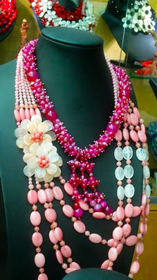 Lovely natural fashion jewelry