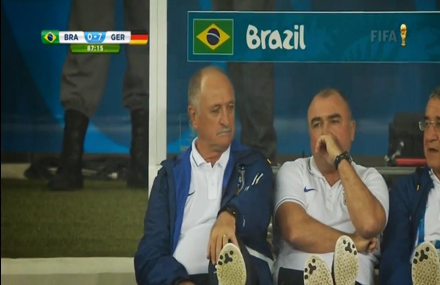 тренер бразильцев Сколари (слева)