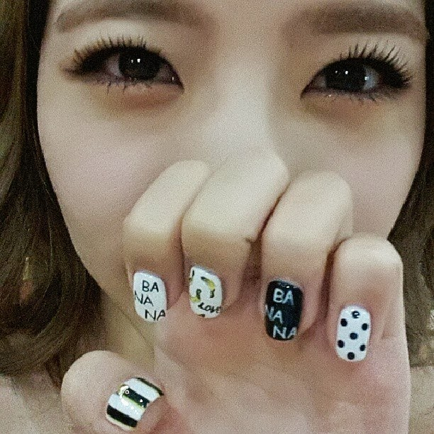 Kpop craze girls generations sweet sunny shows off her new nail art its girls generations sunny with her pair of cute and adorable pair of photos prinsesfo Image collections