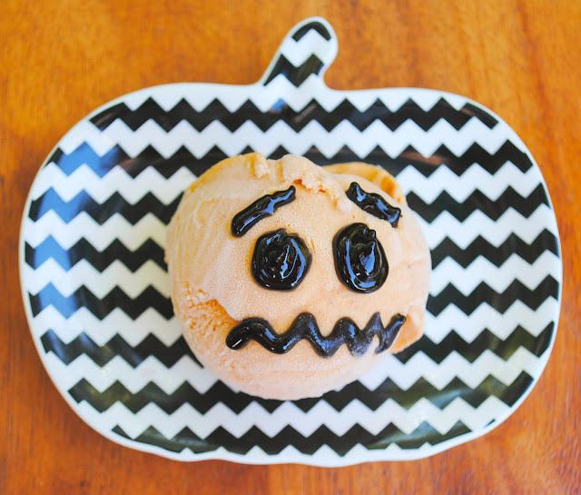 Jack o' lantern Pumpkin Ice Cream | www.jacolynmurphy.com