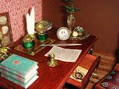 Письменный стол. Writing table.