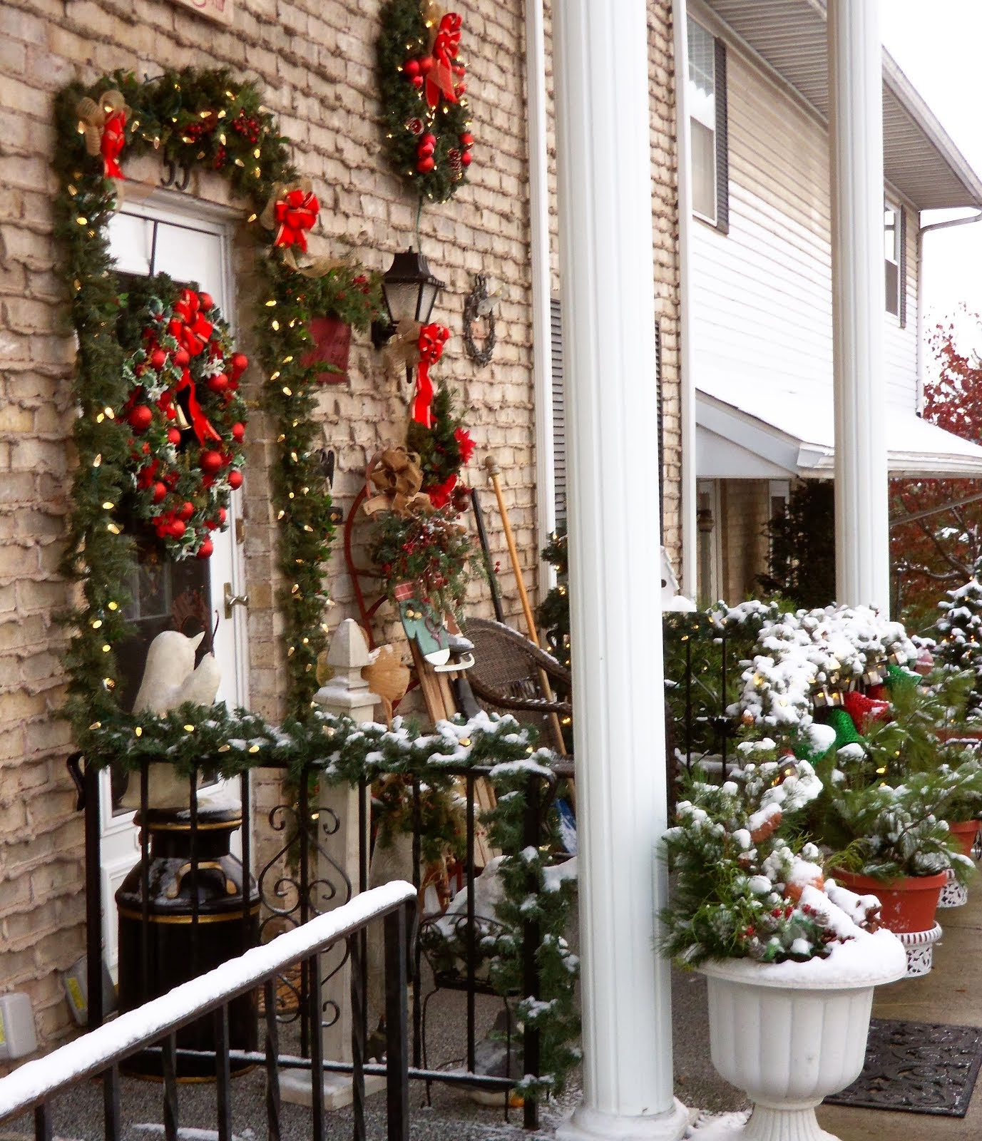 Christmas Home Tour 2013: The Outside of Our Home