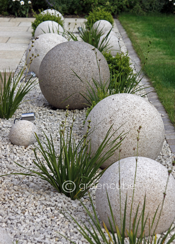 Greencube garden and landscape design uk sculpture in for Statue deco jardin