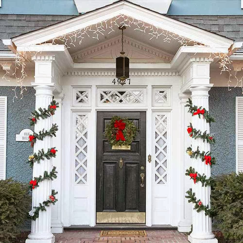 Front door area christmas decorating ideas stylish home for Door decorating ideas