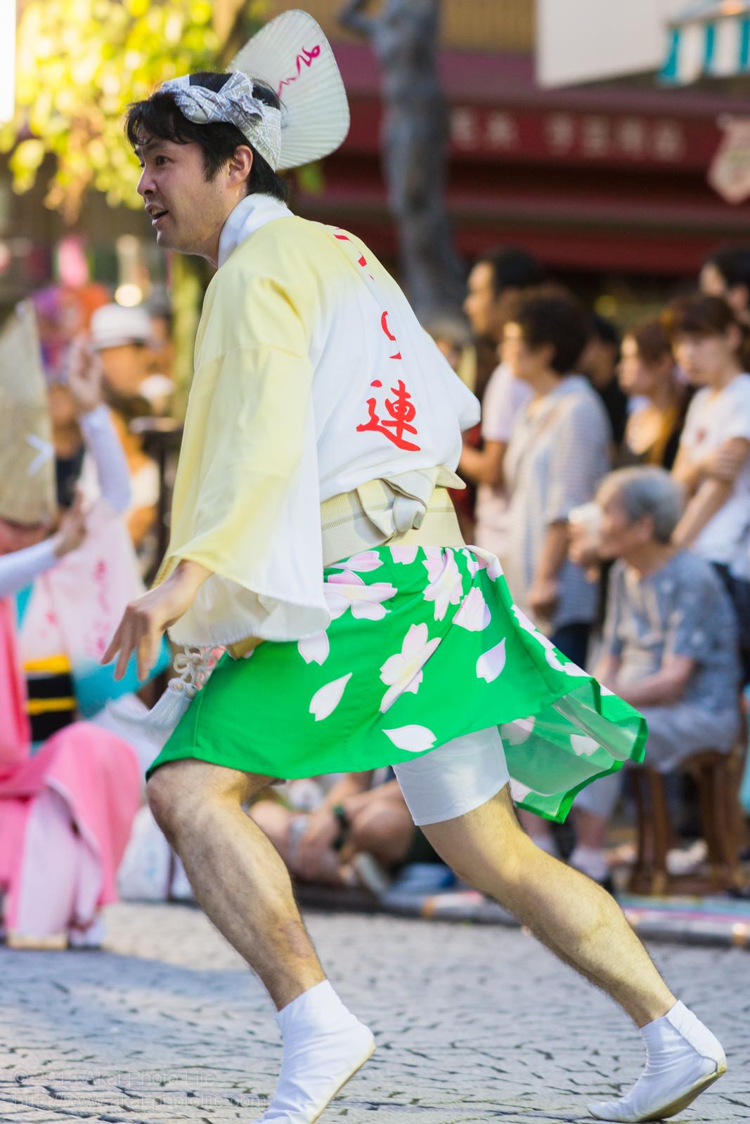 三鷹阿波踊り、小金井さくら連の豪快な男踊り
