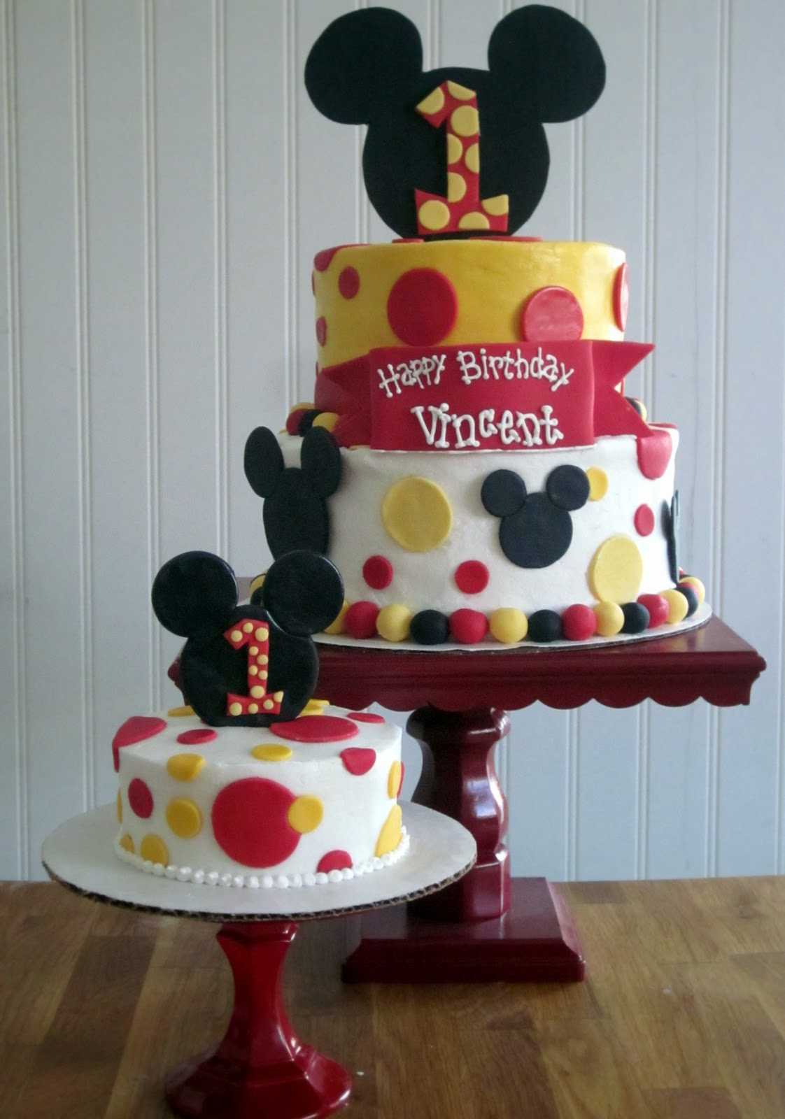 Darlin Designs Mickey Mouse First Birthday Cake and Smash Cake