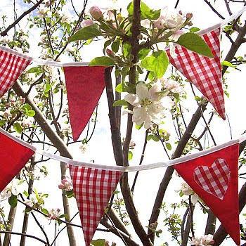 decoração para festa junina - bandeirinhas de tecido