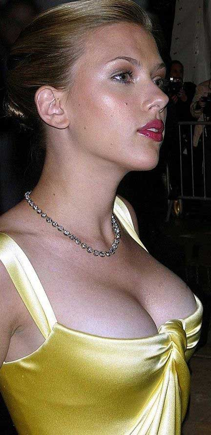 ... Scarlett Johansson and she is the Fourth Sexiest Women in the World ...