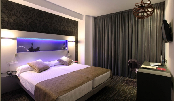 Donde dormir en madrid for Hoteles de lujo modernos
