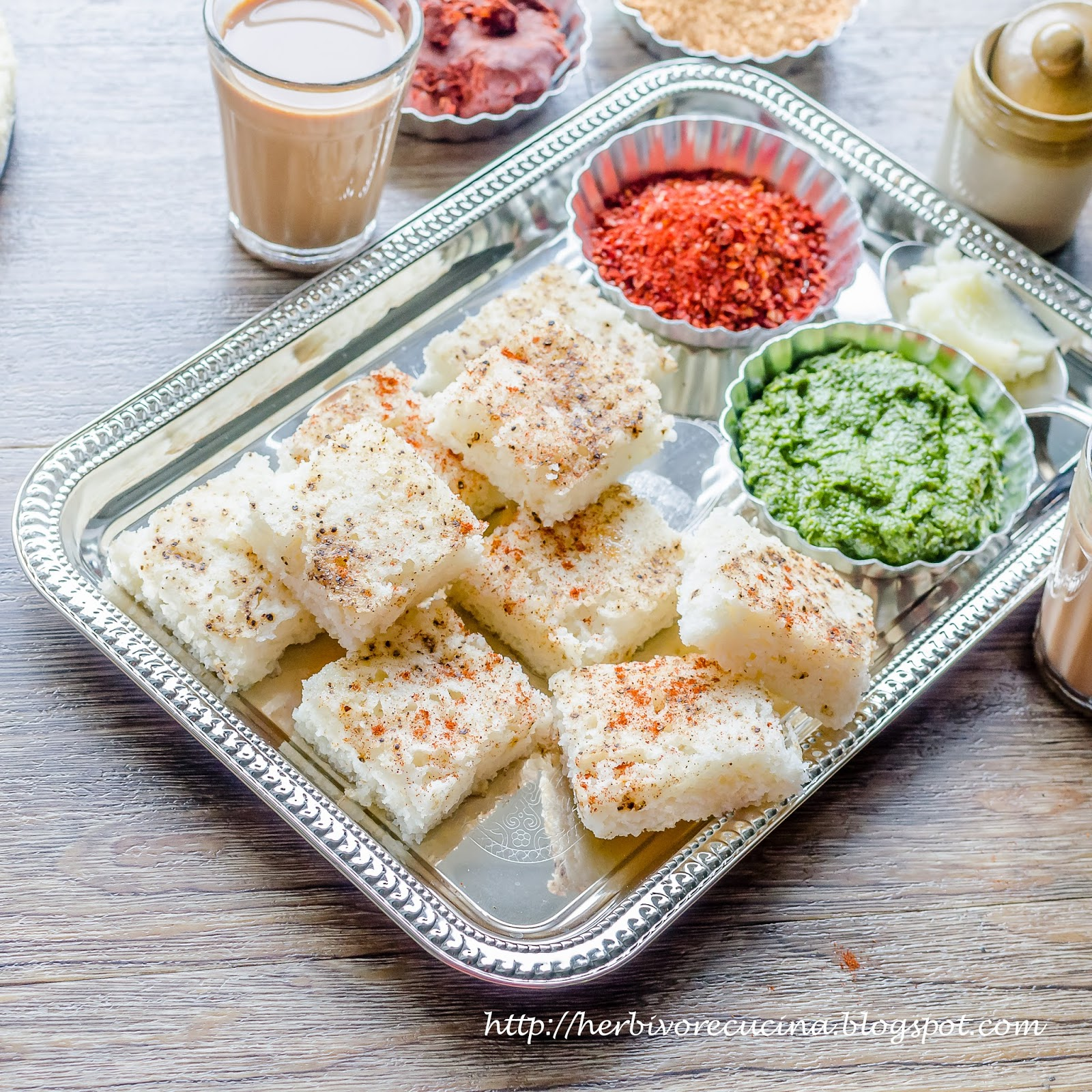 Herbivore cucina white dhokla gujarati khatta dhokla dhokla or dhokra gujarati is a vegetarian food item that originates from the indian state of gujarat it is made with a fermented batter forumfinder Image collections