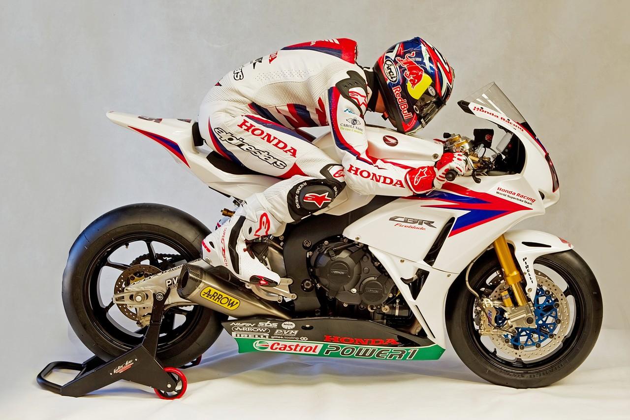 Machines de courses ( Race bikes ) - Page 8 Honda%2BCBR%2B1000%2BRR%2BTeam%2BTenKate%2B2012%2B08