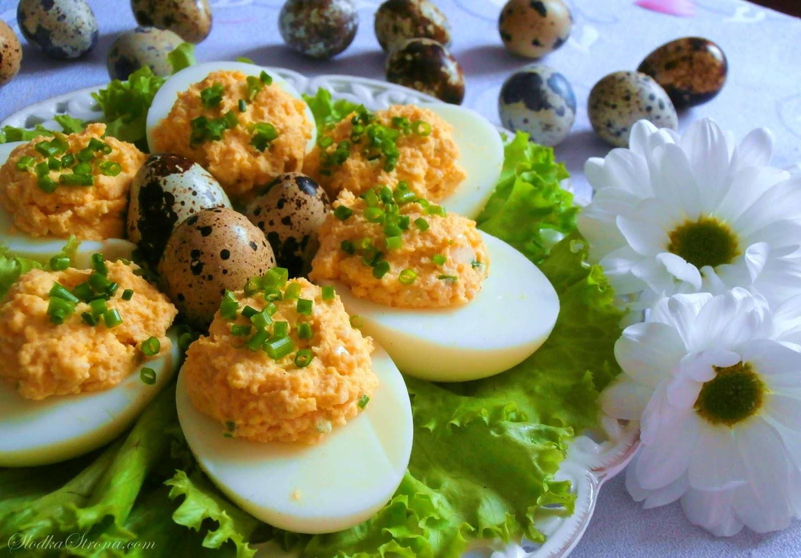 Jaja faszerowane Pastą Jajeczną - Przepis - Słodka Strona