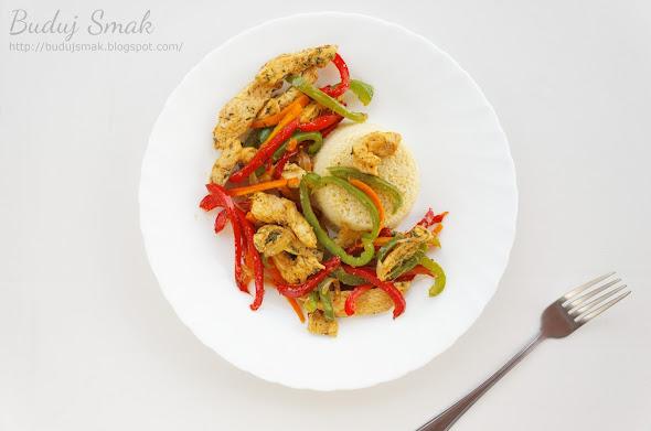 Kurczak w paski z warzywami